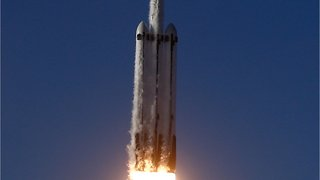 SpaceX Falcon Heavy Sticks Triple Rocket Landing