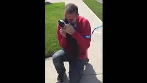 Dog bursts with happiness after reuniting with owner - Video