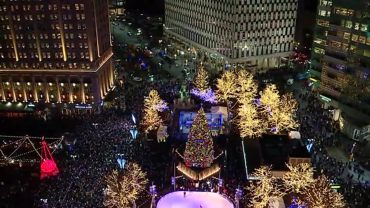 Watch the WXYZ Light Up The Season special