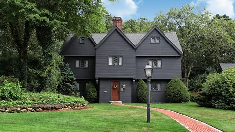 Purchase if you dare – perfect replica of SALEM WITCH HOUSE hits the market