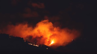 Raging Wildfires Scorch Hills South of Christchurch - Video