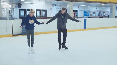 MUM RECONNECTS WITH ICE SKATING-LOVING TEENAGE SON – BY SECRETLY TAKING UP THE SPORT HERSELF