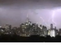 Dramatic Video Shows Lightning Strike Over Manhattan as Storm Brews - Video