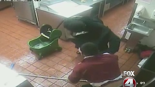 Popeye's worker fights off theif - Video