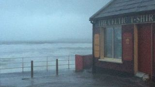 Storm Eleanor Churns Up Sea Surf, Heavy Waves in County Clare - Video