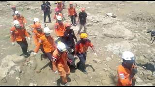 Death toll passes 1,400 as rescue efforts continue on earthquake-stricken Indonesia island - Video