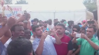 Manus Detention Centre Refugees and Asylum Seekers Chant 'Thank You, McKim' - Video
