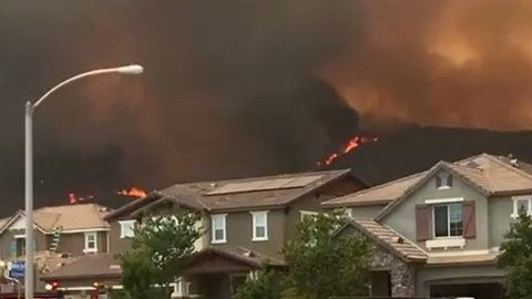 Holy Fire Edges Close to Homes in Lake Elsinore, California