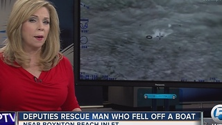 Deputies rescue man who fell off a boat - Video