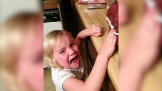 """""""Not Everyone Loves Thanksgiving: Adorable Little Girl Cries Over Dead Turkey"""""""