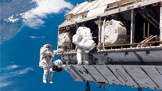 First All-Female Spacewalk Cancelled Because Of Suit Issues