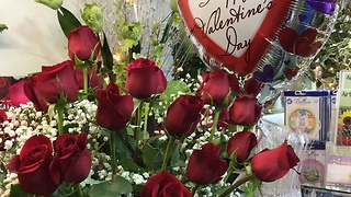 Valentine's Day phone outage costs flower shop - Video