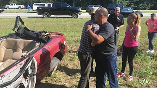 Good Samaritans Help Turn Over Car to Rescue Driver on I-20 - Video