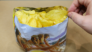 One simple life hack to eat chips nice way  - Video