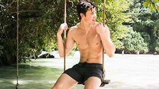 Shawn Mendes STRIPS DOWN While on Vacation to Promote His New Album - Video