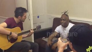 Rapper Coolio performs 'Gangsta's Paradise' at student house - Video