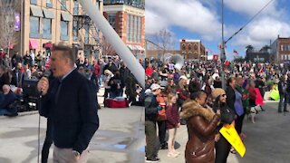 Huge Crowds Are In Barrie Protesting The Government's Latest COVID-19 Measures (PHOTOS)