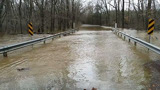 Heavy Rain Floods Central Virginia Roads - Video