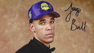Lonzo Ball Trying to ROB Fans with the Price of His Autograph During All Star Weekend - Video