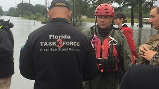 Florida rescuers help stranded people in Florida - Video