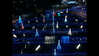 Drone footage shows beautiful Christmas lights show at Colorado waterpark - Video