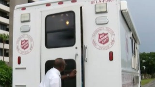 Local Salvation Army leaves for Texas - Video