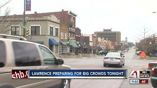 Glass containers, roof access banned in downtown Lawrence if KU advances to Elite 8