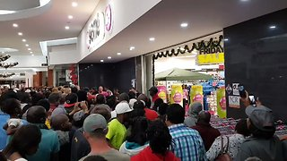 Customers Storm Store on Black Friday in South Africa - Video