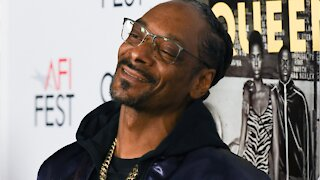 Snoop Dogg And Rosario Dawson Team Up For New Game Show