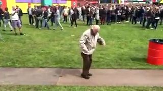 83-year-old man goes wild at electronic dance festival - Video