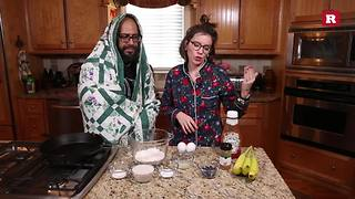 Cinna-banana-berry pancakes with Elissa the Mom | Rare Life