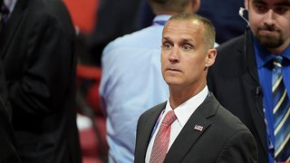 Former Trump Campaign Manager Says He Didn't Hire Cambridge Analytica - Video