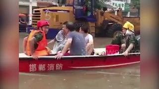 Flash flooding after rainstorm in northern China