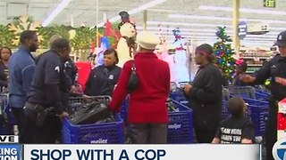 Detroit police officers join students for Shop with a Cop event - Video