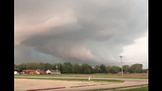 Thunder Rumbles as Tornado-Warned Storm Rolls Through Central Illinois