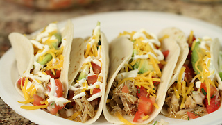 Slow cooker chicken tacos - Video