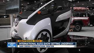 San Diego International Auto Show begins at Convention Center - Video