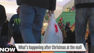 What's happening at the malls on the day after Christmas - Video