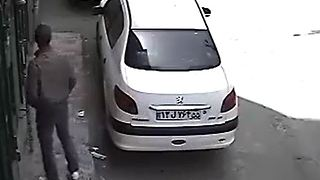 Gone in 35 Seconds - Car Theft - Video