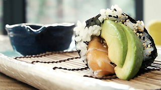 How to make temaki sushi - Video