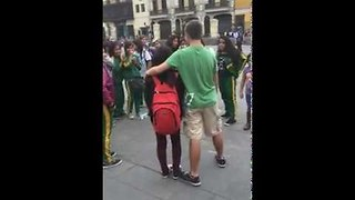 Peruvian School Girls Mistake Regular Guy For Celebrity - Video