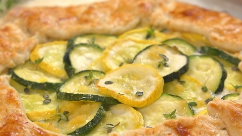 How To Make A Zucchini Ricotta Galette For Summer