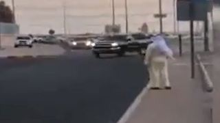 Insane Driver in Saudi Arabia - Video