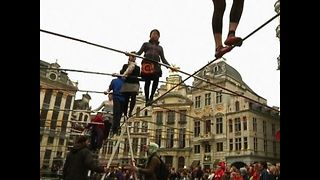 Tightrope Walking World Record - Video