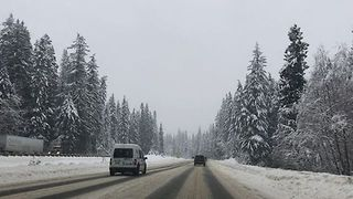 Drivers Trudge Through Slippery Roads in Washington - Video