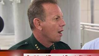 Broward Sheriff Scott Israel addresses the media after shooting - Video