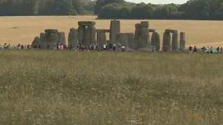 New tech helps discover hidden Stonehenge archeology - Video