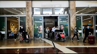 SOUTH AFRICA - Johannesburg - Cathay Pacific Flight from Hong Kong - Video (C6X)