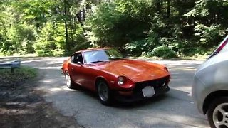 Vlogger Compares 1973 Datsun to 2012 Nissan LEAF - Video
