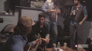 Drake White warms up | Rare Country - Video